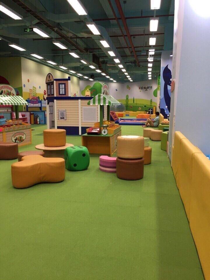 thảm tấm màu xanh lá