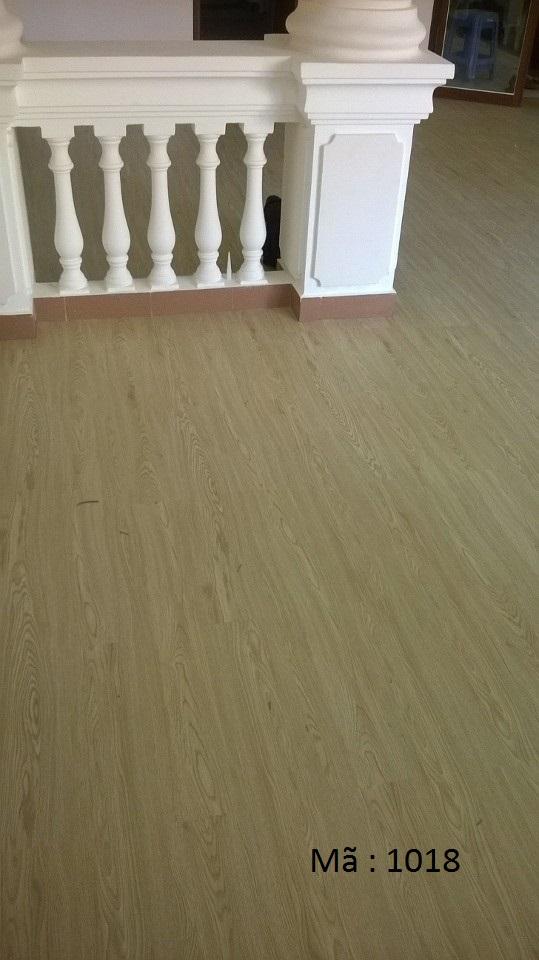 Sàn nhựa giả gỗ 1018